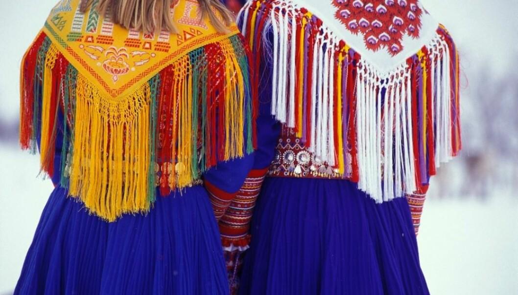 Samiske jenter i Kautokeino er stoltere av å være same enn guttene. Flere hadde planer om å reise ut for å ta høyere utdanning. Men de fleste ville tilbake til Kautokeino, hvor de kan bruke sitt eget språk og ha nærhet til naturen.  (Foto: Trym Ivar Bergsmo/NTB scanpix)