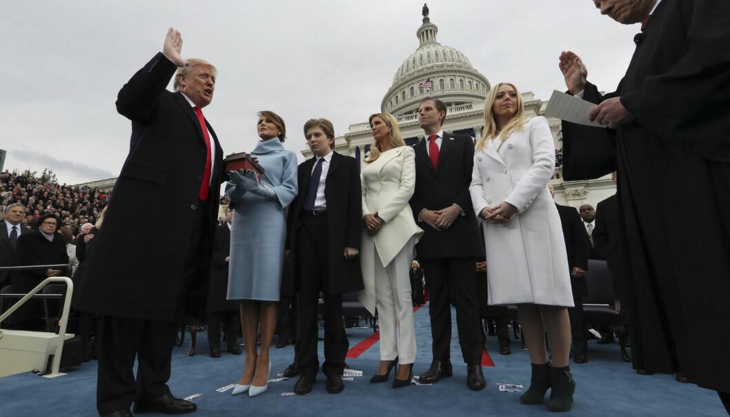 Donald Trump sverges inn som USAs president 20. januar 2017. Selv om meningsmålingene ikke klarte å forutsi Trumps seier, er de fortsatt til å stole på, mener amerikanske forskere. (Foto: sipausa/USA Today Network/NTB scanpix)