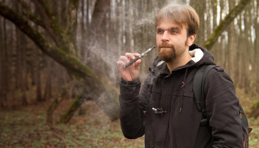 Noen undersøkelser har også funnet kreftfremkallende stoffer i e-sigarettene. (Foto: Colourbox)