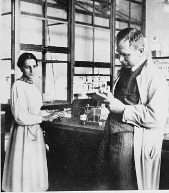 Lisa Meitner og kollega Otto Hahn. Hahn fikk nobelprisen i kjemi i 1945. Meitner ble ikke nevnt med et ord. (Foto: Smithsonian Institution / Wikimedia commons)