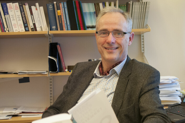 Begrepet «kanon» vekker mistanke om faglig stillstand hos matematikeren Rolf Tomas Nossum på Institutt for matematiske fag ved UiA. (Foto: Universitetet i Agder)