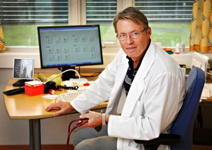Lege Morten Laudal er positiv til at forskerne vil prøve å finne dem med høyest risiko for trygdesvindel, men er skeptisk til metoden: - Det er så mange som har diffuse diagnoser fordi de er i en livskrise. De aller fleste vil bli urettmessig mistenkeliggjort på denne måten, sier Laudal til forskning.no. Han ble engasjert i temaet etter Utøya-tragedien. (Foto: Aftenposten, NTB scanpix)