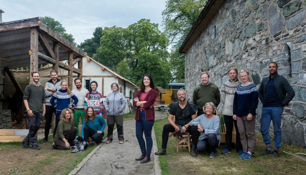 Anno er en norsk realityserie som går på NRK, der 14 deltakere reiser tilbake i tid for å oppleve ulike epoker i norsk historie. I år reiser de tilbake til 1537 og Erkebispegården ved Nidarosdomen i Trondheim. (Foto: NRK)