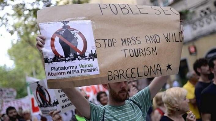 Innbyggerne i Barcelona protesterer mot turisme og for økt livskvalitet Foto: AFP