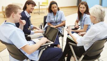 Lege- og sykepleierstudenter får ikke nok trening i å samarbeide seg i mellom, mener forsker.  (Illustrasjonsfoto: Monkey Business Images / Shutterstock / NTB scanpix)