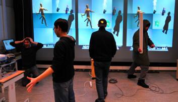 Teaterforestilling med ny vri. Informatiker Giocomo Tartari og hans kollegaer ved UiT har utviklet et verktøy for å lage teater som kombinerer både virkelige og virtuelle mennesker på scenen. (Foto: Fei Su/ UiT)