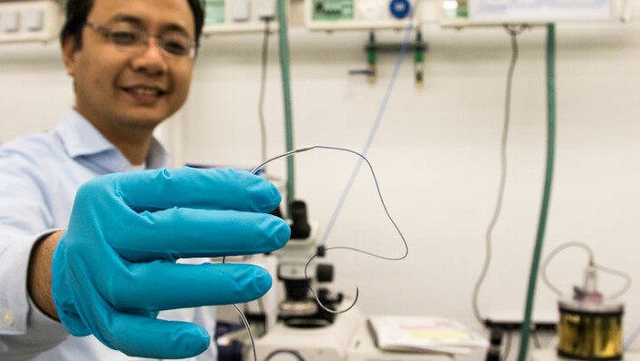 Forsker Anh Tuan Nguyen har utviklet en fullverdig sensorenhet som bruker akselerometre til å overvåke hjertet. (Foto: Knut J. Meland)