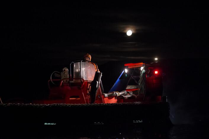 Mørketida i Arktis byr på utfordringer og krever ekstra hensyn til sikkerhetsarbeid. (Foto: Stefan Claes/UNIS)