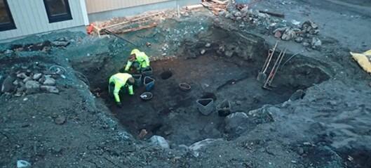 Ørland-utgravingen: Ringspenne og armbrøstdel fra middelalderen