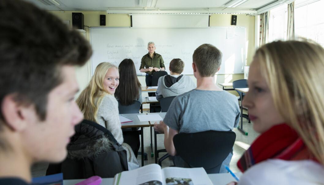 – Læraren er ein autoritetsperson for elevane. Som i alle slike tilfelle vert han eller ho naturleg eit populært samtaleobjekt og konstant utsett for vurderingar, seier forskar. (Illustrasjonsfoto: Berit Roald / NTB Scanpix)