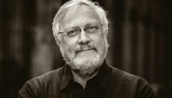 Lars Gule svarer på spørsmål om konspirasjonsteorier i podcasten. (Foto: OsloMet)