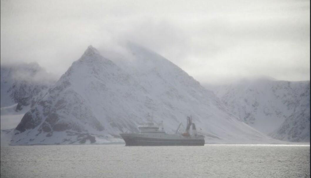 Varmere klima og issmelting har ført til at Nordvestpassasjen i Arktis er seilbar. Hva betyr det for miljøet, jussen, politikken og teknologien?  (Foto: UiT)
