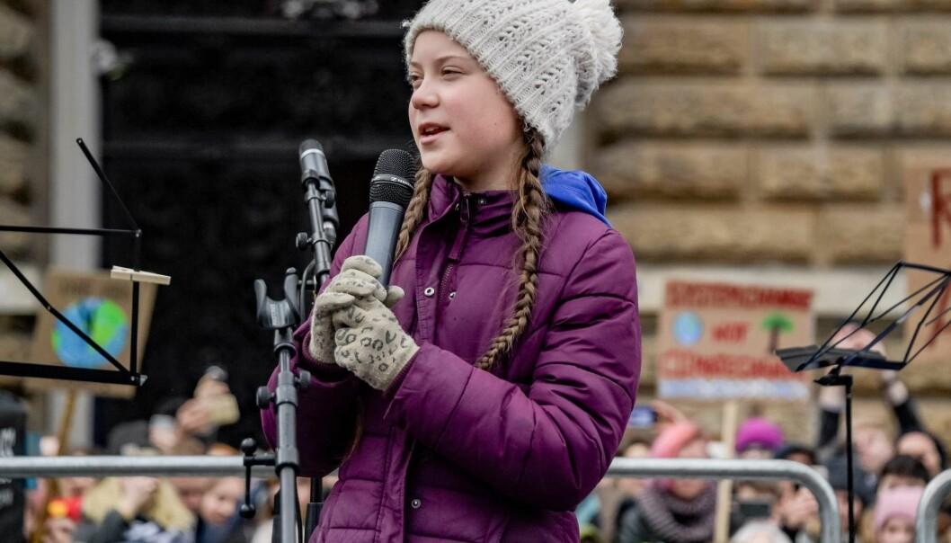 Svenske Greta Thunberg har blitt en kjent miljøforkjemper i hele verden. Men hun vil ikke fly til de stedene hun blir invitert for å holde taler. Hun har sagt at hun sluttet å fly i 2015. (Foto: Axel Heimken, AFP, NTB scanpix)
