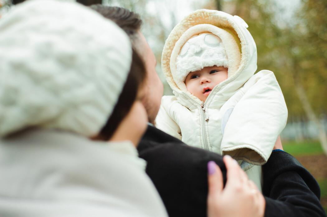 Mange mener at barn gir et godt liv, men alllikevel venter de fleste med å bli foreldre. (Illustrasjonsfoto: Colourbox)