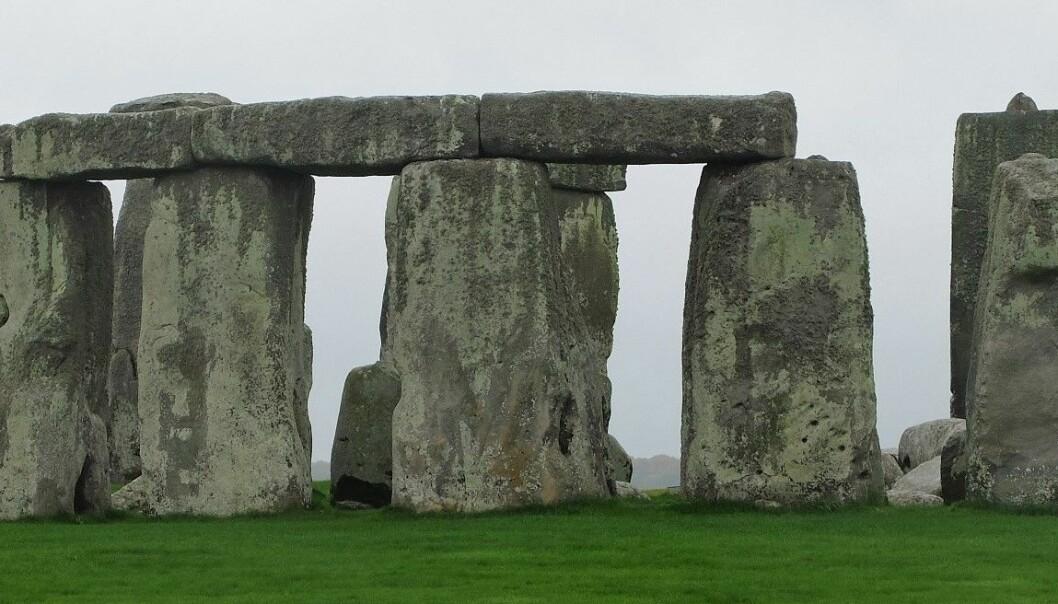 Folk kom langveisfra til grisefester nær Stonehenge