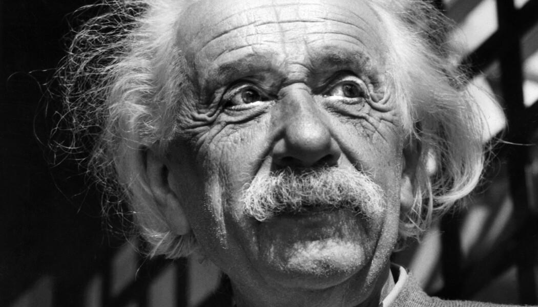Albert Einstein i 1954, året før han døde. (Bilde: AP, NTB scanpix)
