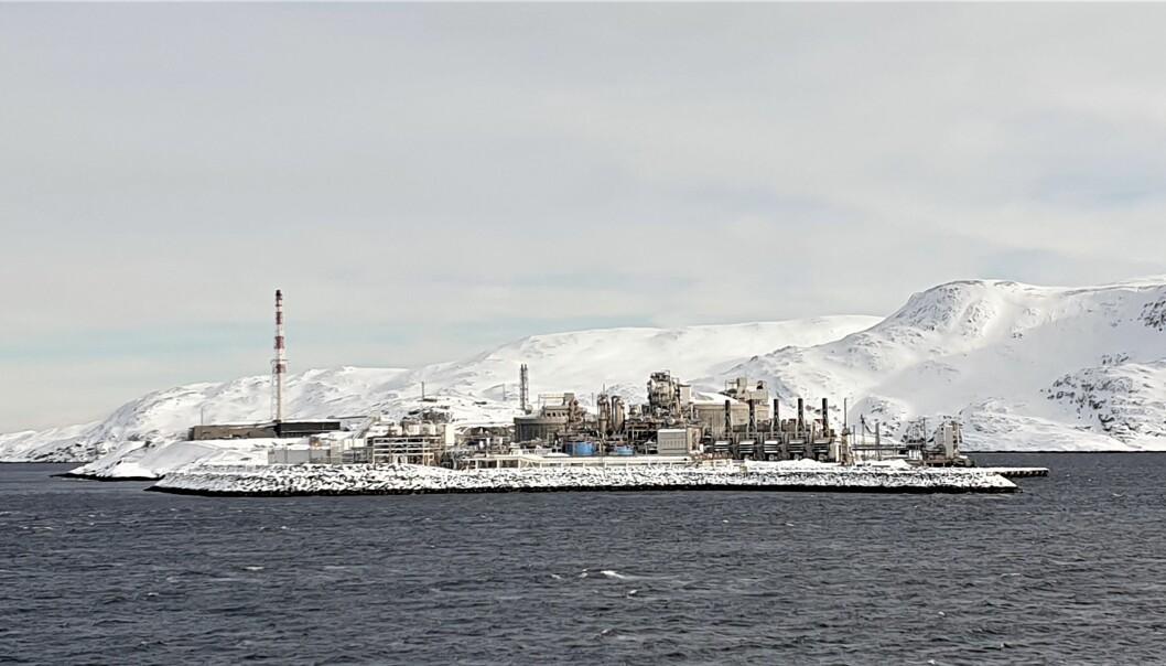 LNG-anlegget på Melkøya sett fra Hurtigruta (Foto: Privat).