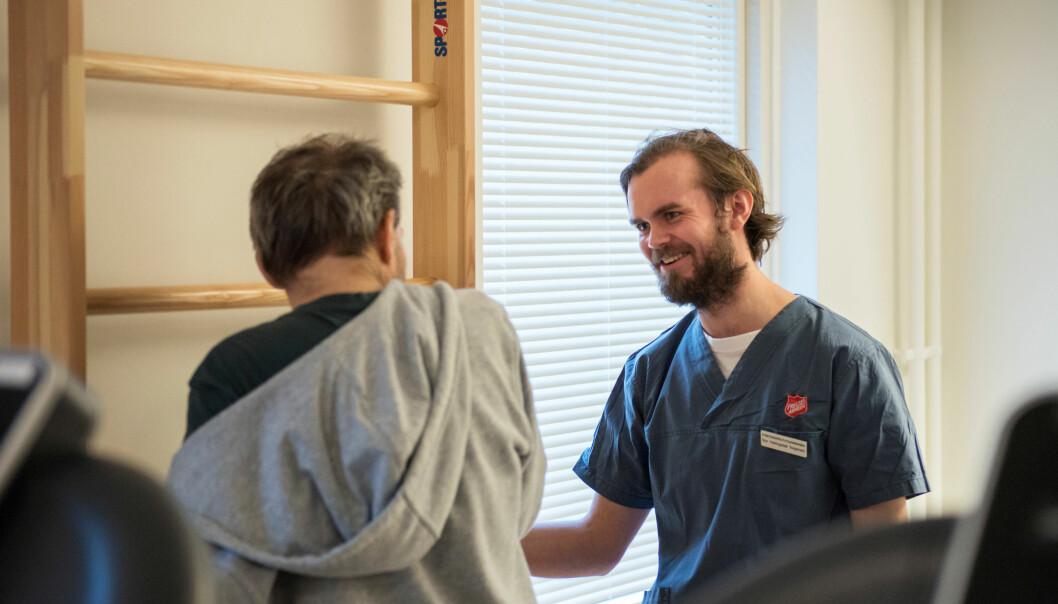 Det er i dag få fysioterapeuter som jobber med rusavhengige. – Fysioterapeuter kan bidra med mye for denne gruppen, sier førsteamanuensis Anne Langaas ved Høgskolen i Oslo og Akershus. (Foto: Sonja Balci)