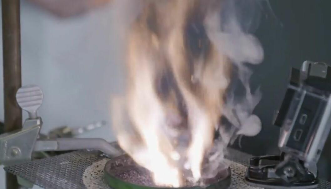 Luke 21: Hvordan kan noe begynne å brenne av seg selv?