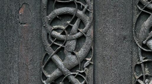 Er utsmykningene på Urnes stavkirke egentlig hedenske?