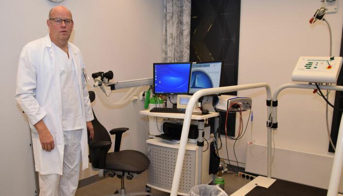 Avdelingsoverlege Terje Tollåli ved Nordlandssykehuset syntes reinnleggelser av KOLS-pasienter var unødvendig høyt og sørget for tiltak i form av bedre oppfølging hjemme hos pasientene. Det virket. (Foto: Børre Arntzen/Nordlandssykehuset)