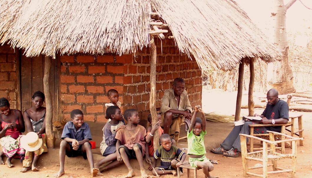 Rundt én milliard mennesker er i verden er funksjonshemmede. Her fra nordlige Zambia, i Chipata, i forbindelse med levekårsstudiene fra Sintef. (Foto: Sintef)