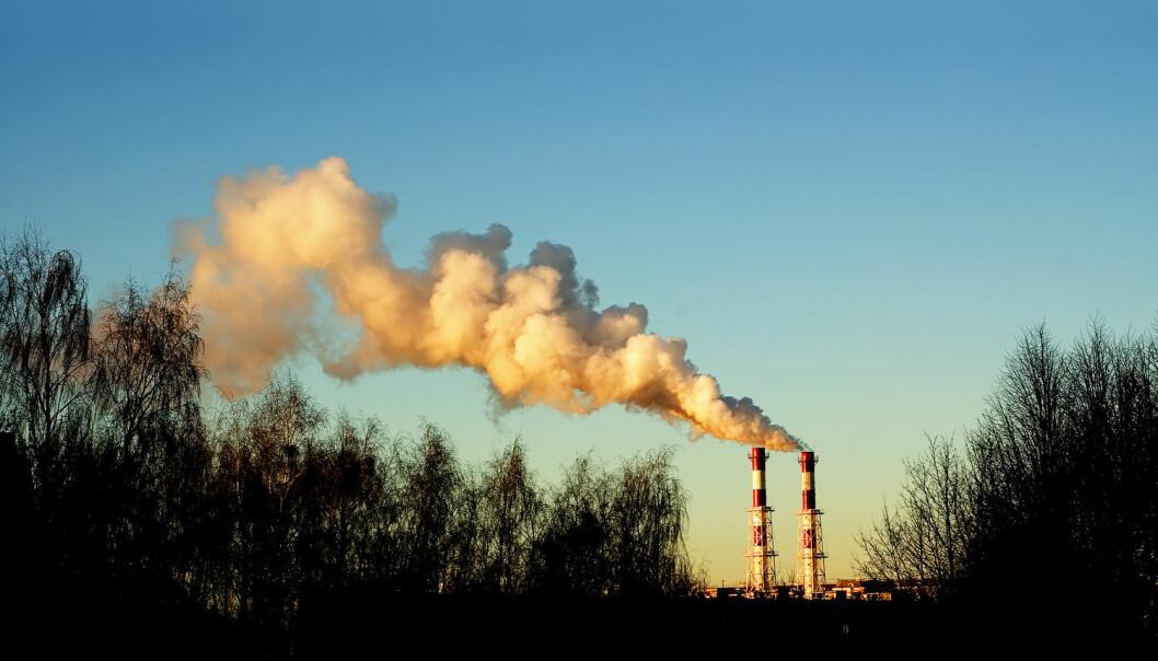 I takt med at mennesket har sluppet ut mer og mer CO2 i atmosfæren, har vi lagt på oss stadig mer. Danske forskere tenkte at det kunne være en direkte sammenheng mellom de to fenomenene.  (Illustrasjonsfoto: Ivan Skvortsov / Shutterstock / NTB scanpix)