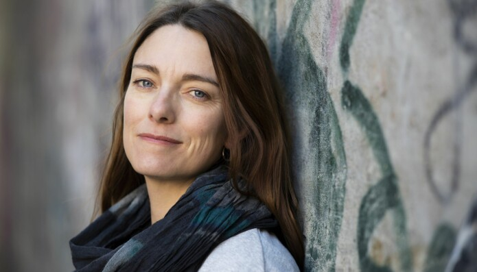Forsker Jennifer Drummond Johansen har i flere år jobbet som saksbehandler i barnevernet i bydeler i Oslo med høy tetthet av innvandrere og flyktninger. Det gjorde henne interessert i problemene som mange flyktninger strever med. Nå er hun stipendiat ved OsloMet – storbyuniversitet og skriver doktoravhandling om temaet. (Foto: Sonja Balci)