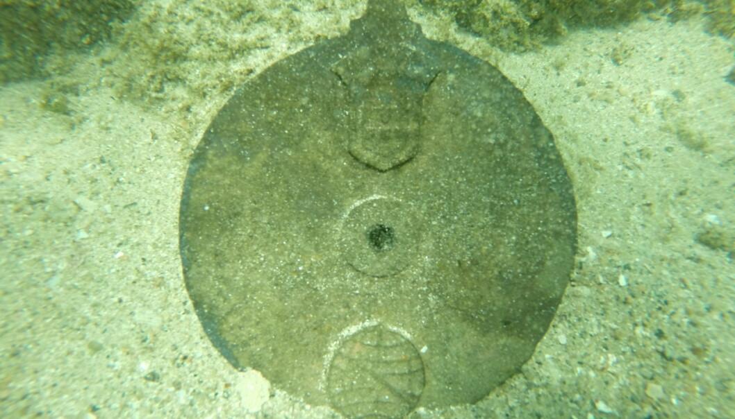 Verdens eldste marine astrolabium. Slik ble navigasjonsinstrumentet funnet på havbunnen utenfor Oman. (Foto: David Mearns)