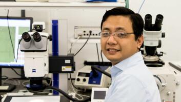 Stipendiat Anh Tuan Nguyen ved HSN presenterte nylig sitt doktorgradsarbeid, der han har utviklet en fullverdig sensor-enhet som bruker akselerometre til å overvåke hjertet i forbindelse med operasjoner med åpen brystkasse. (Foto: Knut J. Meland)