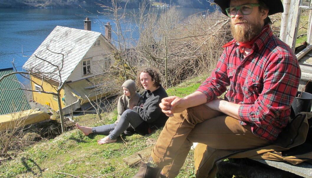 Hege Iren Wiken og Eirik Lillebøe Wiken drømte om å leve et enklere og mer selvberget liv.  (Foto: privat)