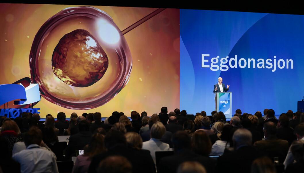 Regjeringen gjør en rekke endringer i bioteknologiloven. Endringsforslaget inneholder ikke noe punkt om å åpne for eggdonasjon, slik det egentlig er flertall for på Stortinget. Bildet er fra Høyres landsmøte i fjor, hvor temaet var oppe til debatt. (Foto: Lise Åserud / NTB scanpix)