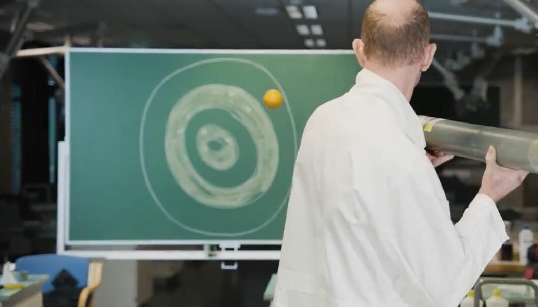 I dagens luke kan du lære deg å lage en appelsinkanon. (Foto: Universitetet i Stavanger)