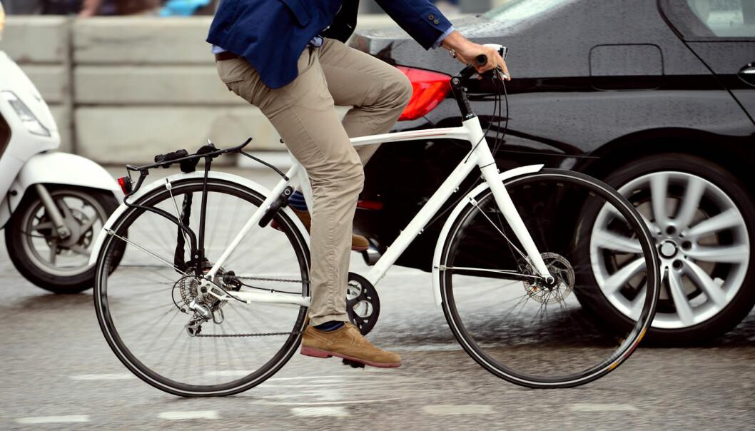 Sykling til og fra jobben kan redusere risikoen for å utvikle overvekt, høyt blodtrykk, høyt kolesteroltall og forstadier til diabetes.  (Illustrasjonsfoto: connel / Shutterstock / NTB scanpix)