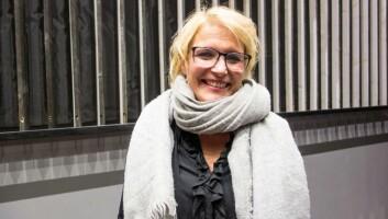 Silje Benonisen etter masterpresentasjonen på campus Kongsberg. (Foto: Jan-Henrik Kulberg)