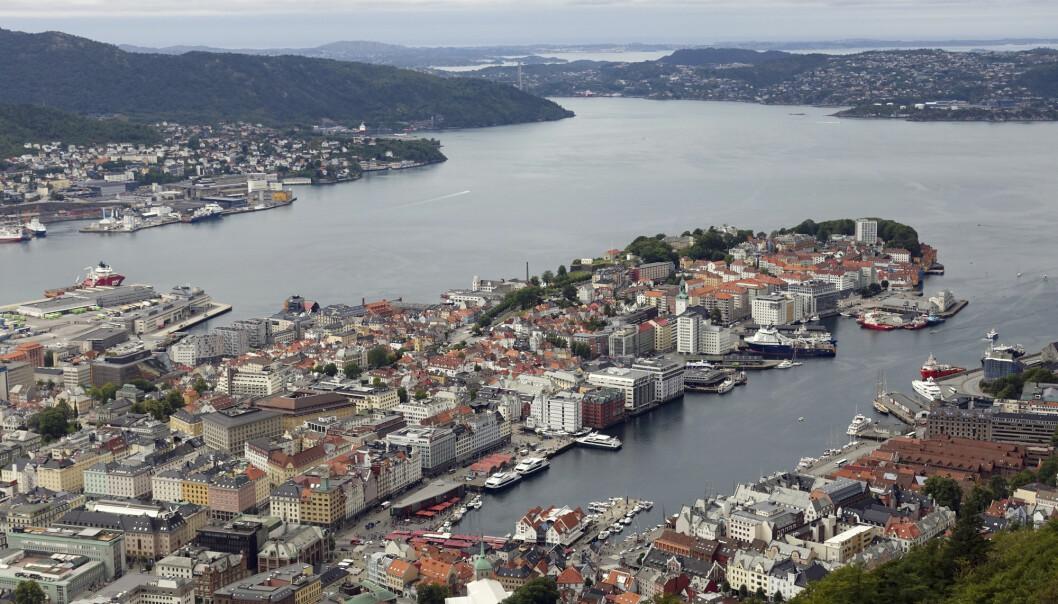 Universitetet i Bergen og Telia beklager overfor universitetsansatte som fikk feil SIM-kort og dermed andre kollegers private telefonsamtaler og SMS. (Foto: Marianne Løvland / NTB scanpix)