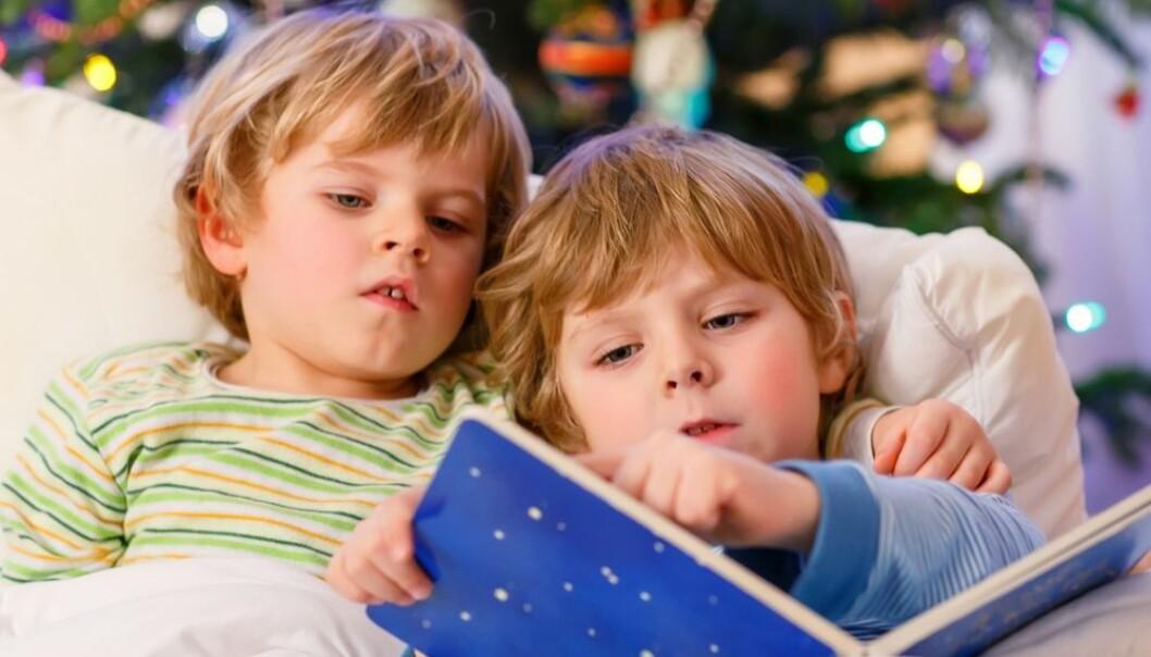 En søster eller en bror kan bidra til at du får større inntekt som voksen. Det viser en svensk studie. (Foto: Romrodphoto / Shutterstock / NTB scanpix)