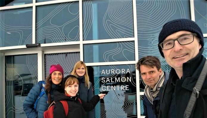 På veg til Aurora Salmon Centre (Foto: Eirik Mikkeslen).