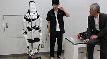 Nett-TV: Reiser seg fra rullestolen med robotdress