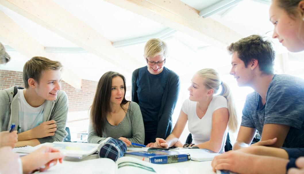 Studien viser at læreren kan og bør påvirke engasjementet hos elevene, og det er særlig viktig for gutter og elever i ungdomsskolen. (Foto: NTB scanpix)