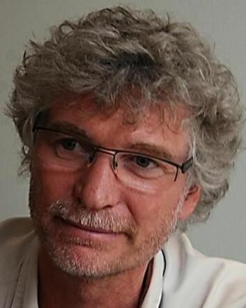 Gunnar Tschudi Bondevik er fastlege og professor i allmennmedisin ved Universitetet i Bergen. (Foto: Universitetet i Bergen)