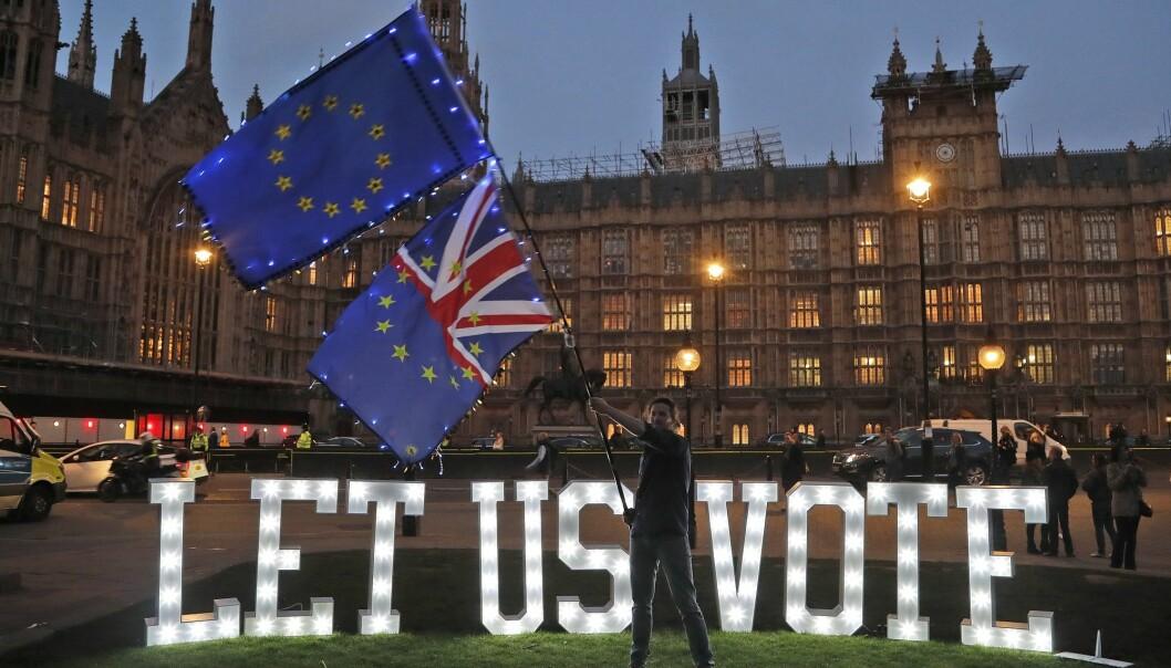 Storbritannias vei ut av EU ble ikke tydeligere etter onsdagens avstemningen i Underhuset. Faren for at britene går ut av EU uten noen avtale har økt, mener en Cambridge-professor. (Foto: Frank Augstein, AP, NTB scanpix)