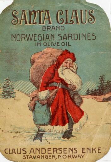 Etiketten Santa Claus, dette varemerket ble registrert av Claus Andersens Enke i 1911, omtrent 10 år før Coca Cola tok i bruk julenissen i sin markedsføring Foto: MUST/ Norsk hermetikkmuseum