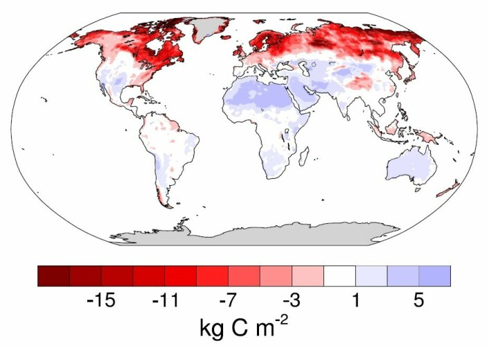 Kart over jordbunnens forventede tap (rød) og økning (blå) av CO₂ i år 2050. Det største tapet er i den arktiske og subarktiske regionen (mørkerød). Største utslipp er i den arktiske og subarktiske jordbunnen (rød skravering). Noen steder forekommer CO₂-avgivelsen i landbruksjord. Det kan reduseres gjennom endrede landbruksmetoder. Men store deler er i tynt befolkede eller ubebodde områder med permafrost og skog. (Foto: Crowther et al 2016/Nature.)