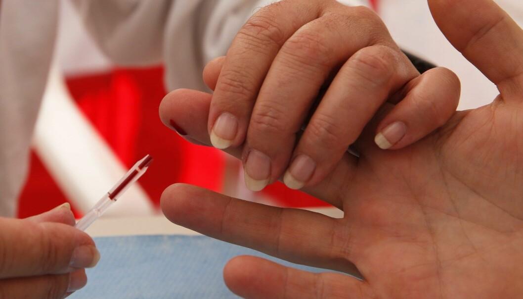Rundt15 prosent av Europas hiv-smittede vet ikke at de er syke. Nå ber Verdens helseorganisasjon de europeiske statslederne om å trappe opp kampen mot hiv og aids (Foto: AFP PHOTO/VALERY HACHE).