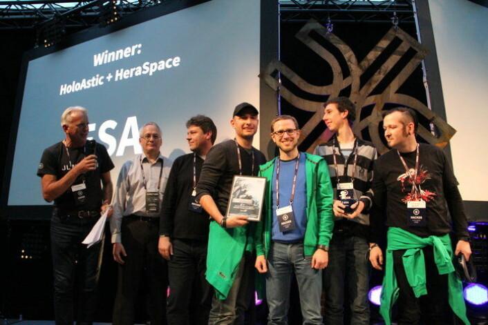 Gruppen HoloAstic vant den ene av ESAs to priser for appen sin som bruker satellittdata for bedre transportlogistikk. (Foto: FGI/Laura Eskelinen)