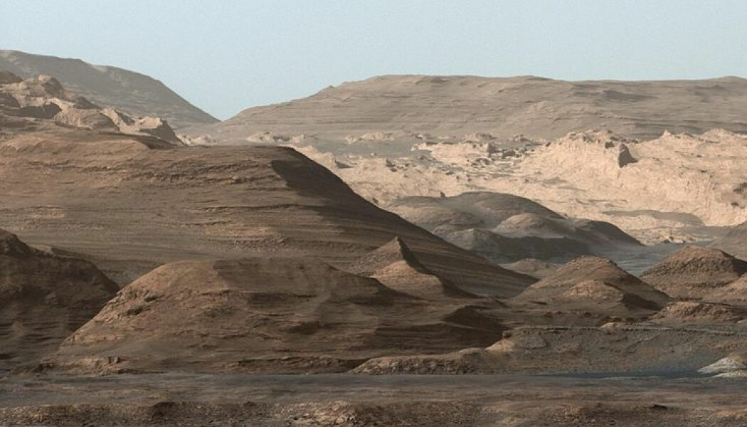 Fjell i Gale-krateret, sett av Curiosity. (Bilde: NASA/JPL)