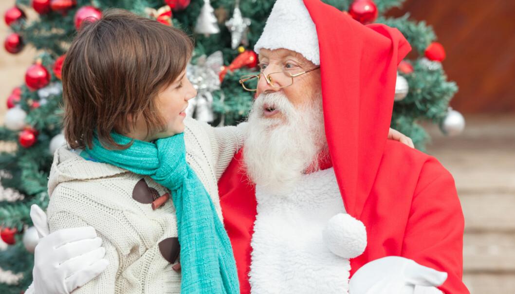 Psykologer frykter at barnet kan føle seg lurt når løgnen om julenissen blir avslørt  (Illustrasjonsfoto: Tyler Olson/Shutterstock/NTB scanpix).