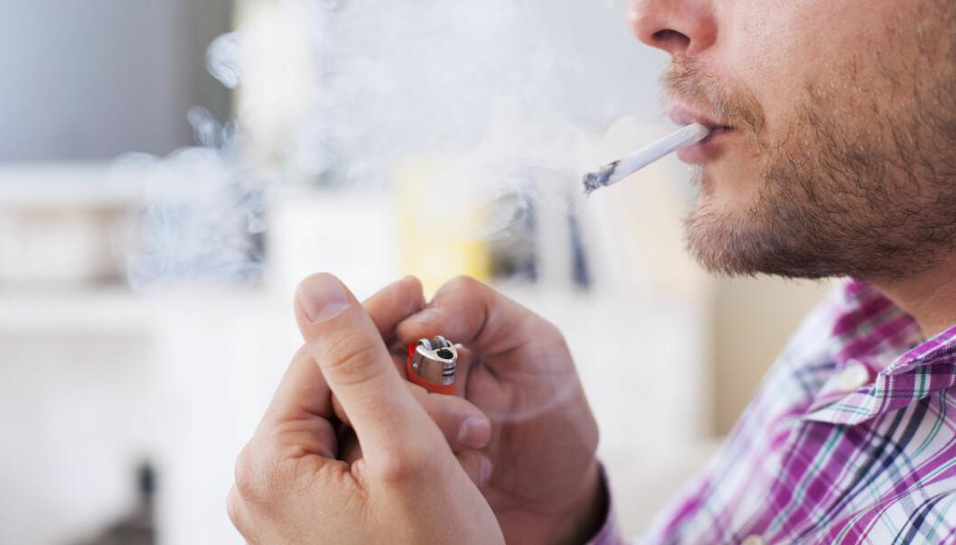 En ny studie antyder at det kan bli vanskeligere å forutsi risiko for hjertesykdom hos røykere enn hos ikke-røykere. (Foto: Nikodash/Shutterstock/NTB scanpix)