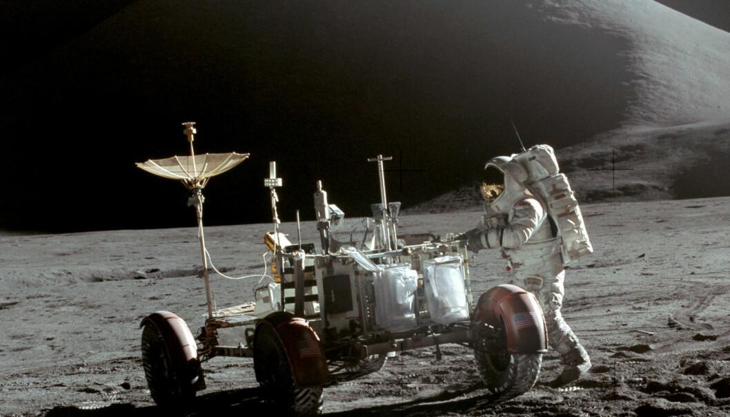 Dette er en av månebilene som står igjen på månen. Dette bildet er fra Apollo 15-oppdraget i 1971. (Bilde: NASA/David Scott)